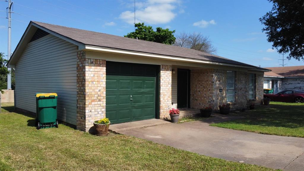 425 Hastings  Drive, Cedar Hill, Texas 75104 - acquisto real estate best realtor dallas texas linda miller agent for cultural buyers