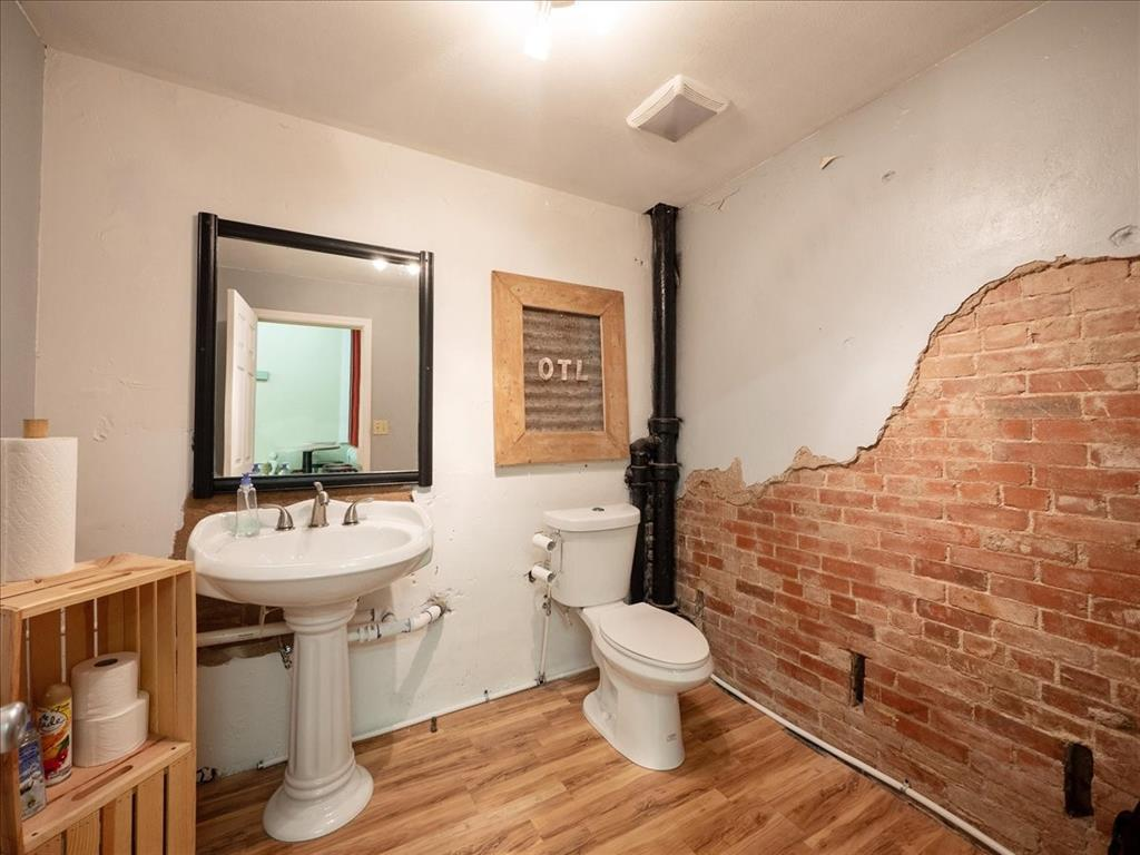 114 Beaton  Street, Corsicana, Texas 75110 - acquisto real estate best listing agent in the nation shana acquisto estate realtor