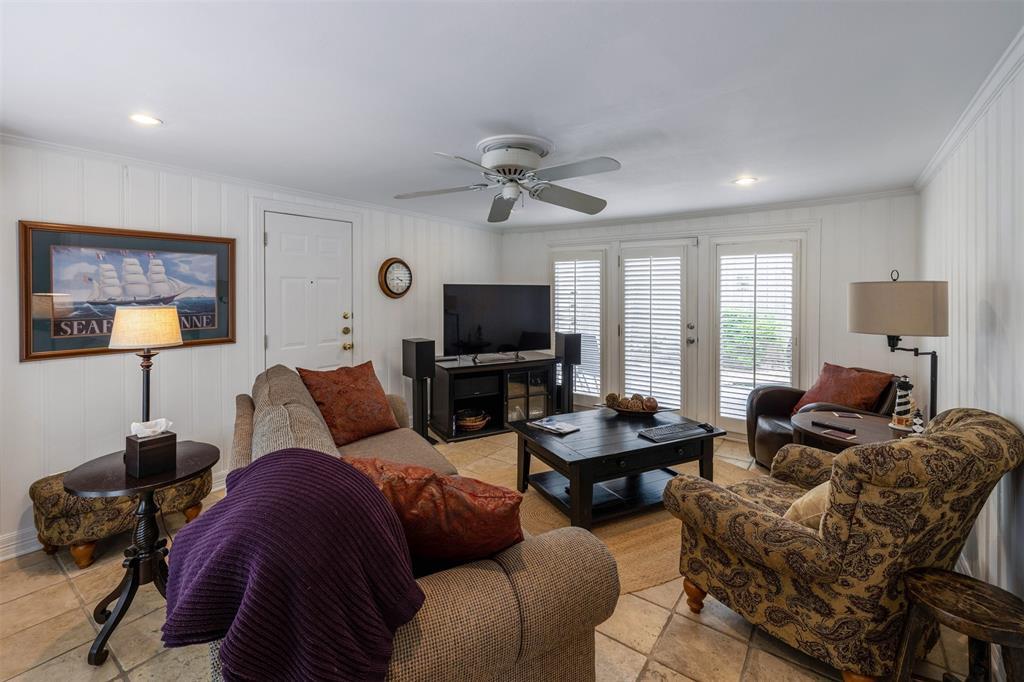 1154 Edgefield  Avenue, Dallas, Texas 75208 - acquisto real estate best listing agent in the nation shana acquisto estate realtor