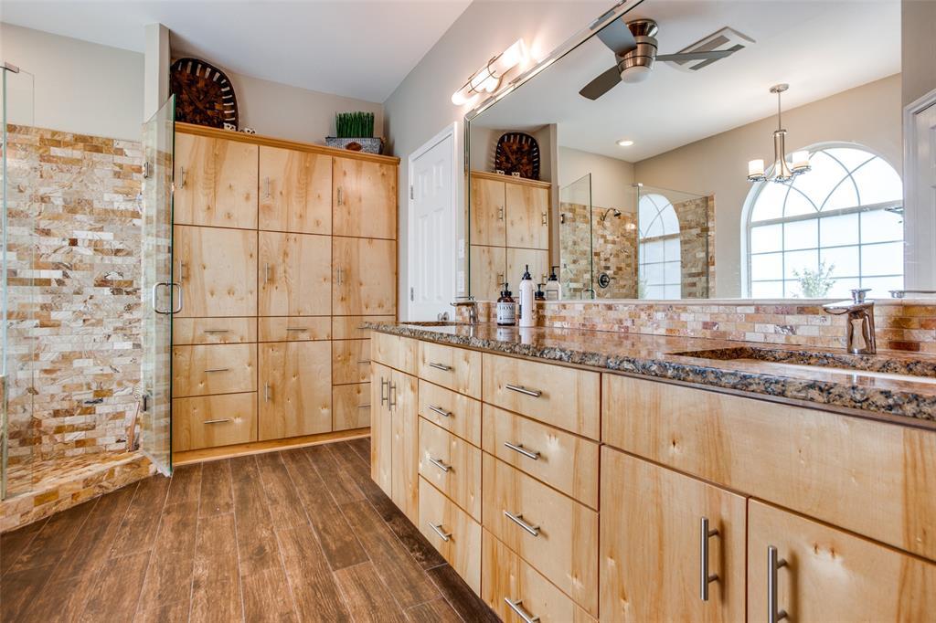 204 Laurel Creek  Drive, Sherman, Texas 75092 - acquisto real estate best style realtor kim miller best real estate reviews dfw