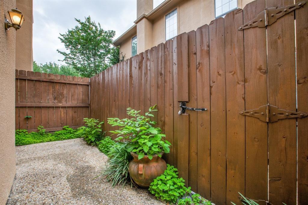 4307 Gilbert  Avenue, Dallas, Texas 75219 - acquisto real estate best realtor foreclosure real estate mike shepeherd walnut grove realtor