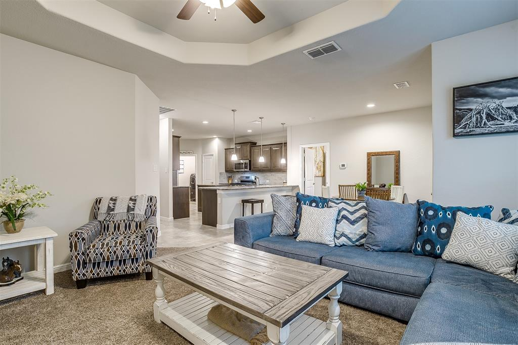 817 Dove  Cove, Argyle, Texas 76226 - acquisto real estate best realtor foreclosure real estate mike shepeherd walnut grove realtor