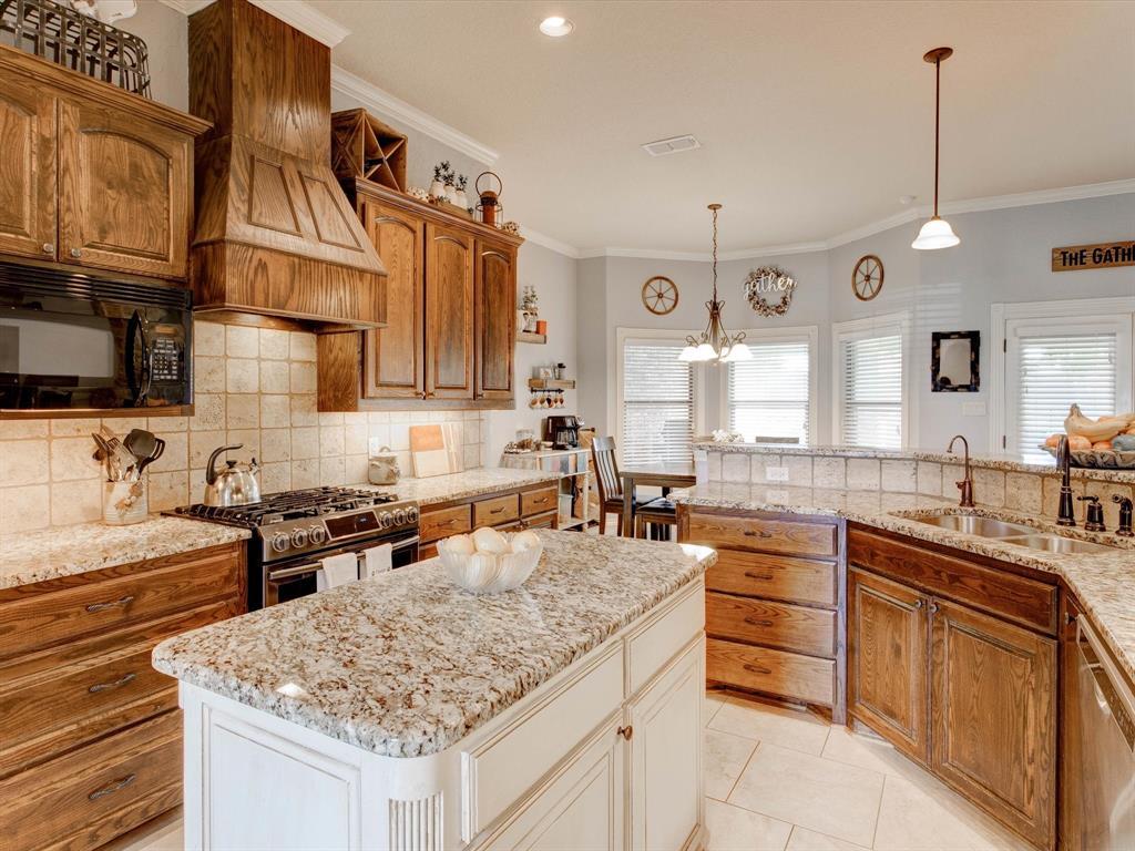 104 Tealwood  Lane, Aledo, Texas 76008 - acquisto real estate best investor home specialist mike shepherd relocation expert
