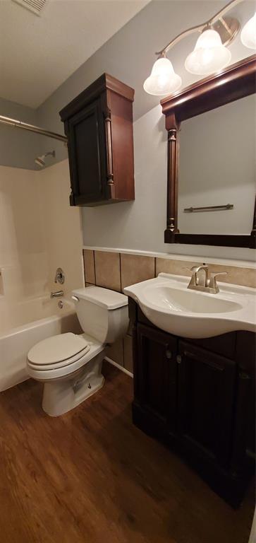2324 Lookout  Lane, Denton, Texas 76207 - acquisto real estate best realtor foreclosure real estate mike shepeherd walnut grove realtor
