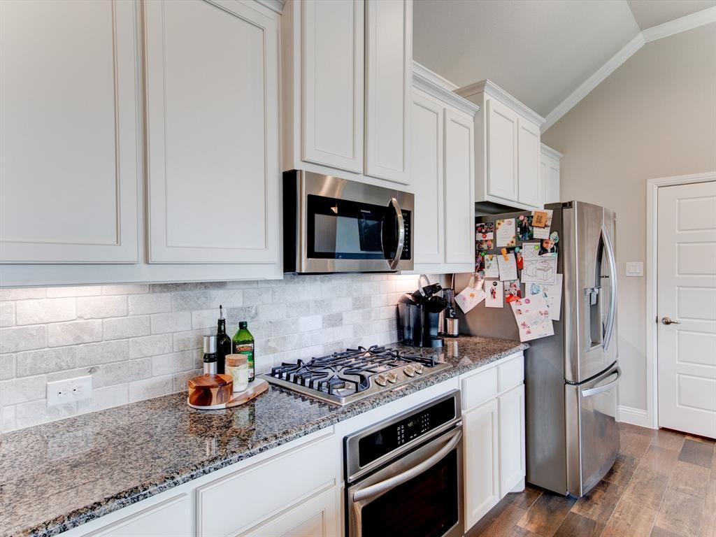 940 Parkside  Drive, Argyle, Texas 76226 - acquisto real estate best new home sales realtor linda miller executor real estate