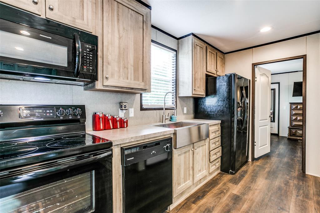 104 Sinclair  Avenue, Kerens, Texas 75144 - acquisto real estate best new home sales realtor linda miller executor real estate