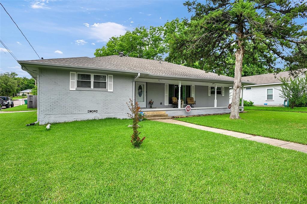 205 Broadway  Street, Whitesboro, Texas 76273 - acquisto real estate best allen realtor kim miller hunters creek expert