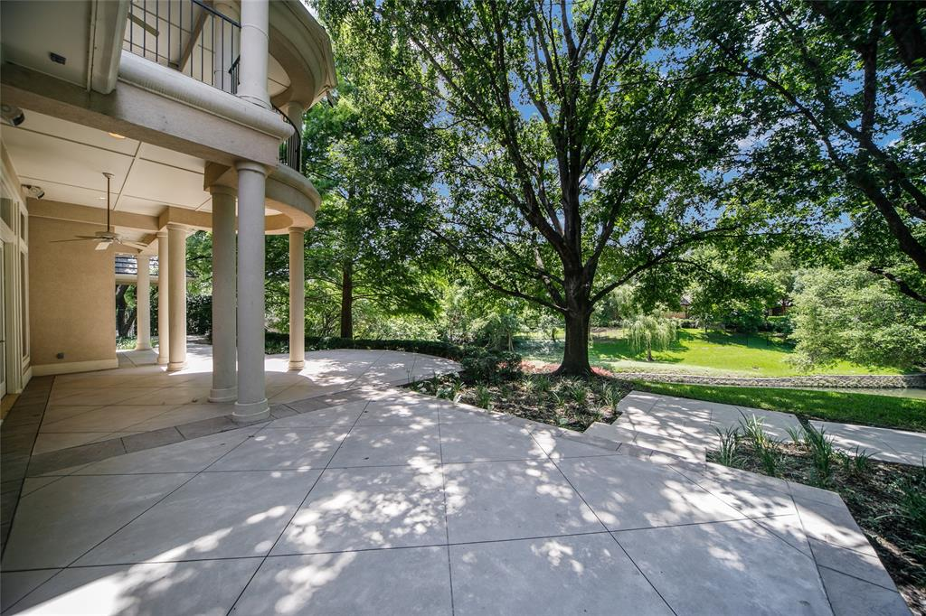 13203 Glad Acres  Drive, Farmers Branch, Texas 75234 - acquisto real estate best plano real estate agent mike shepherd