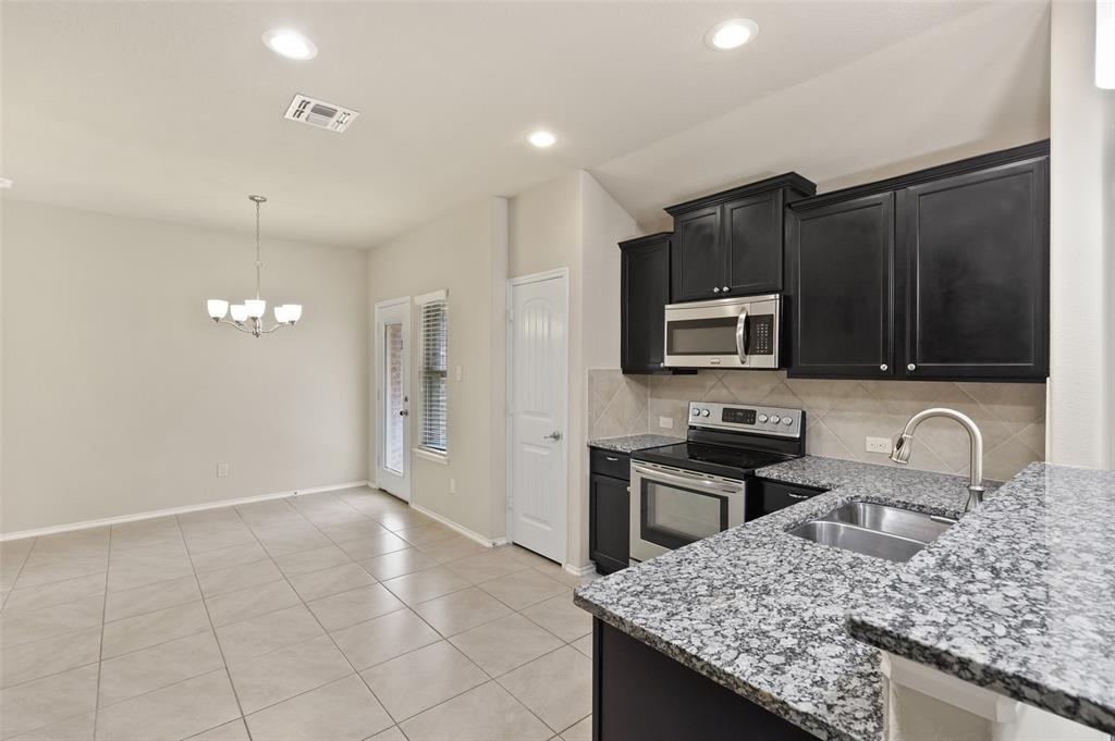 8801 Tenderfoot  Lane, Aubrey, Texas 76227 - acquisto real estate best highland park realtor amy gasperini fast real estate service
