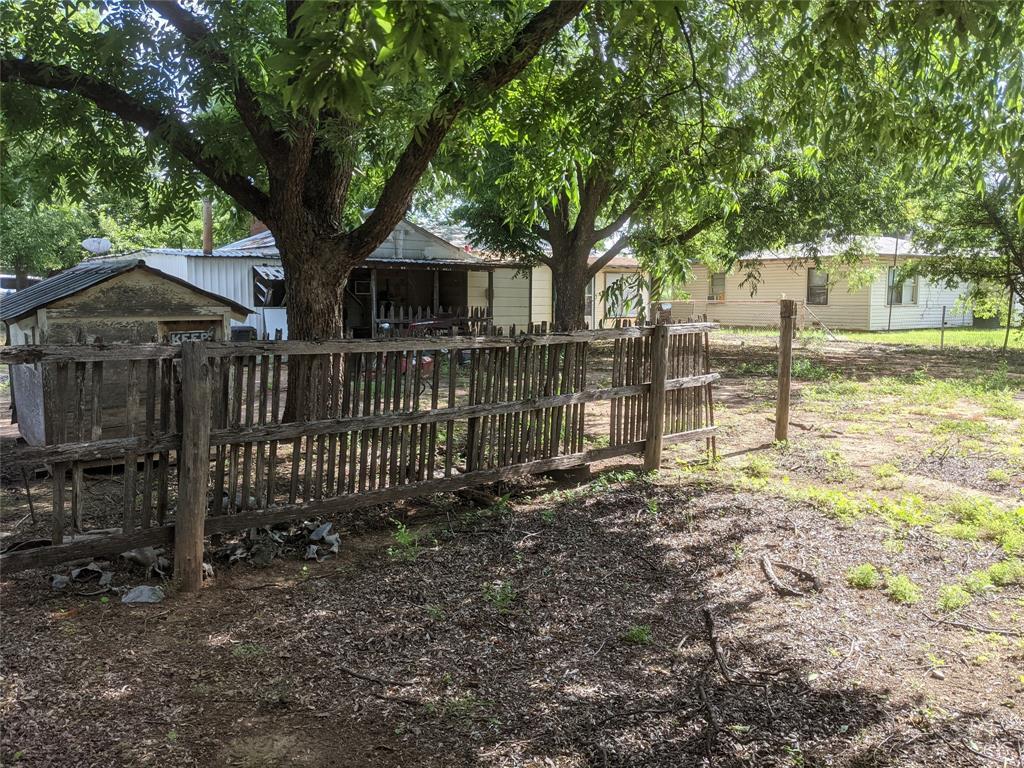 525 Avenue A  Lawn, Texas 79530 - acquisto real estate best listing agent in the nation shana acquisto estate realtor