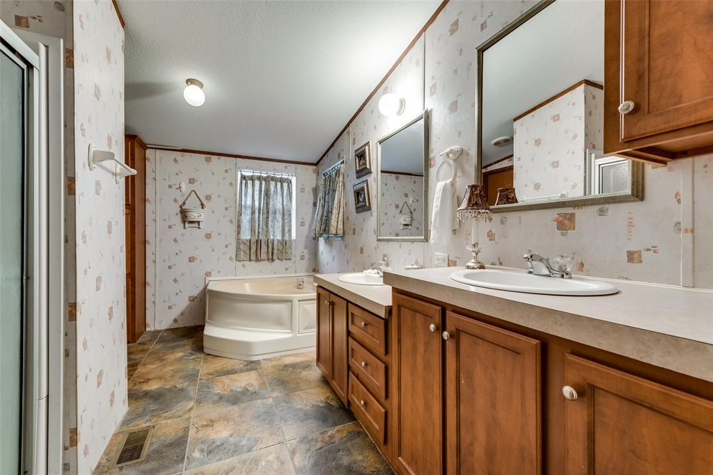 729 Briarwood  Court, Kemp, Texas 75143 - acquisto real estate best frisco real estate agent amy gasperini panther creek realtor