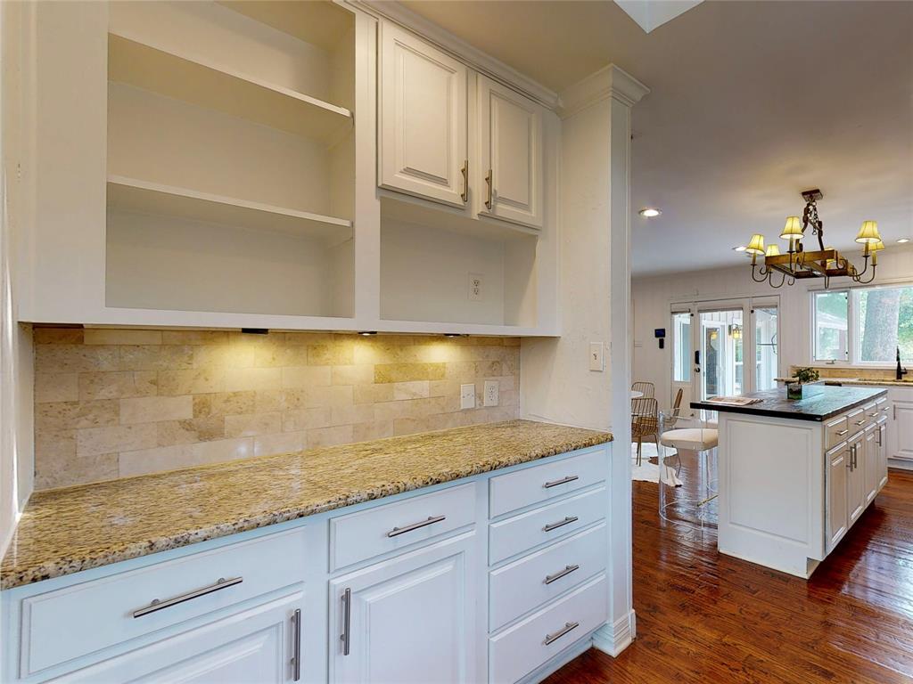 6602 Yosemite  Lane, Dallas, Texas 75214 - acquisto real estate best style realtor kim miller best real estate reviews dfw