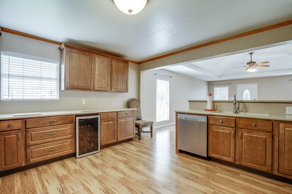 746 Elsberry  Avenue, Dallas, Texas 75217 - acquisto real estate best highland park realtor amy gasperini fast real estate service