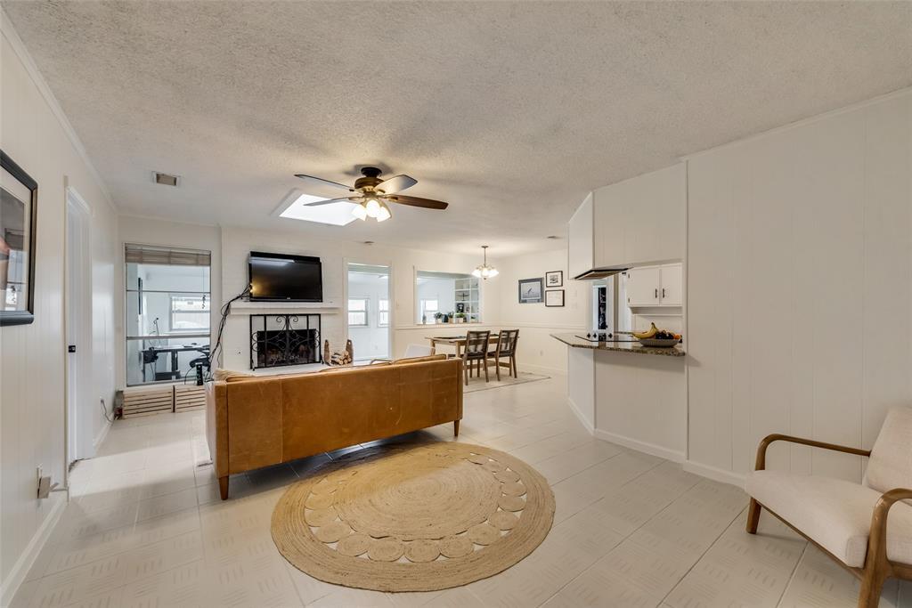 2133 Mountainview  Drive, Hurst, Texas 76054 - acquisto real estate best prosper realtor susan cancemi windfarms realtor