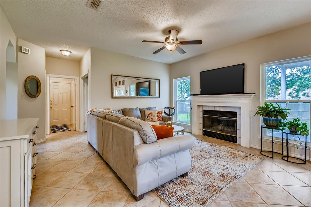 1220 Trinity  Drive, Benbrook, Texas 76126 - acquisto real estate best listing agent in the nation shana acquisto estate realtor