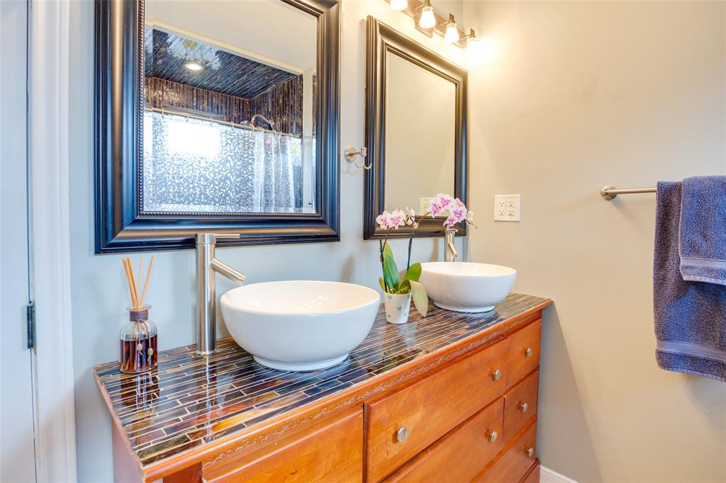 4625 Bonnell  Avenue, Fort Worth, Texas 76107 - acquisto real estate best realtor dallas texas linda miller agent for cultural buyers