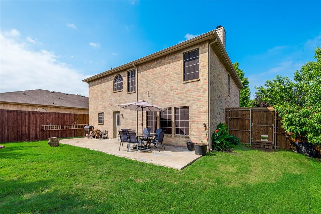 1306 Foster  Street, Cedar Hill, Texas 75104 - acquisto real estate best plano real estate agent mike shepherd