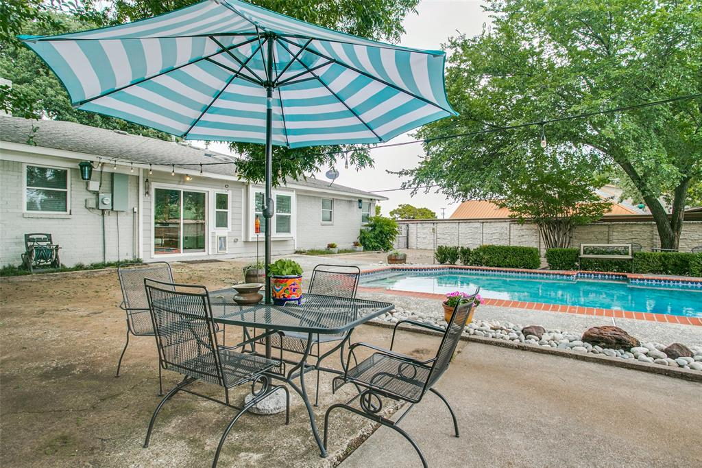 809 Wheelwood  Drive, Hurst, Texas 76053 - acquisto real estate best frisco real estate agent amy gasperini panther creek realtor