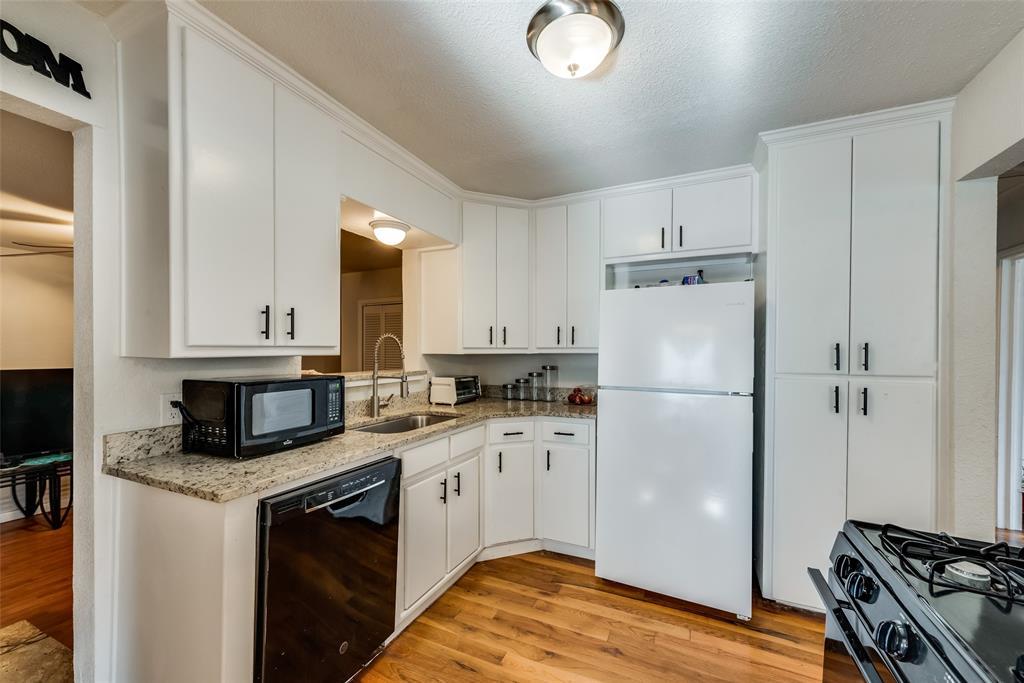 5020 Thurston  Road, River Oaks, Texas 76114 - acquisto real estate best listing agent in the nation shana acquisto estate realtor