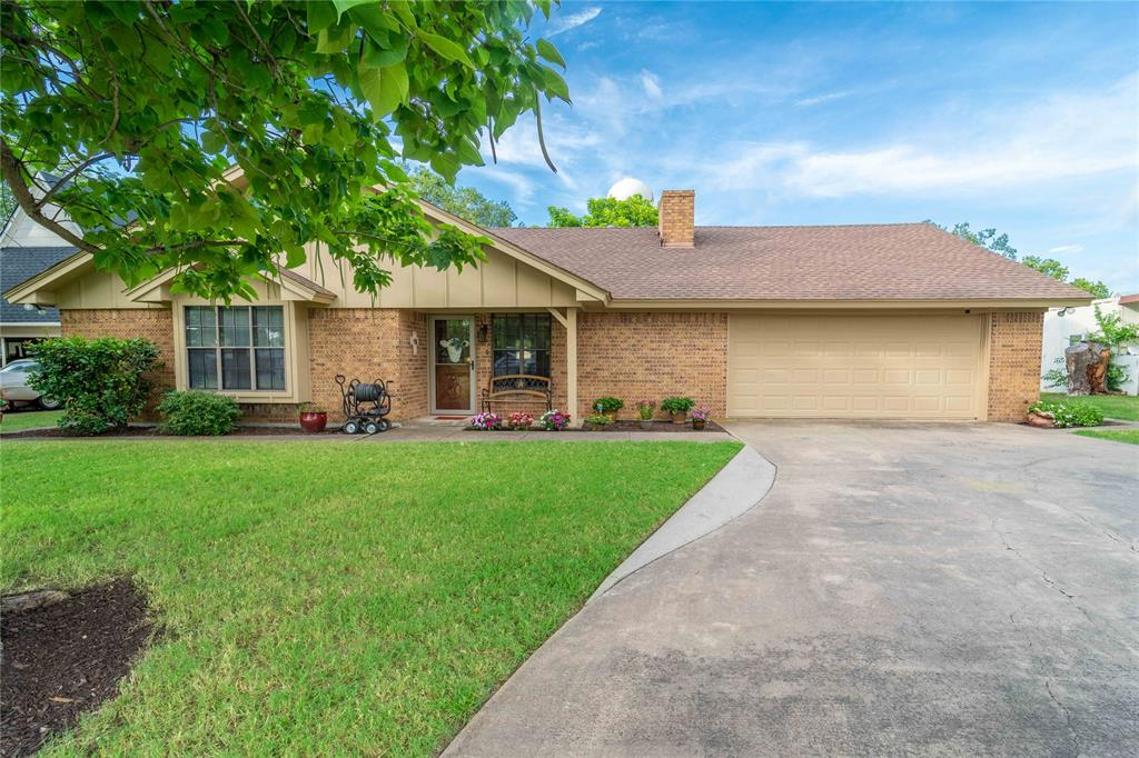 309 5th  Street, Justin, Texas 76247 - Acquisto Real Estate best plano realtor mike Shepherd home owners association expert