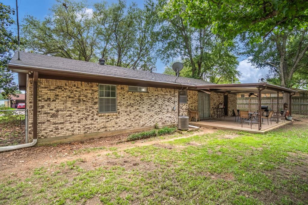 802 Lindy  Drive, Grand Saline, Texas 75140 - acquisto real estate best listing photos hannah ewing mckinney real estate expert