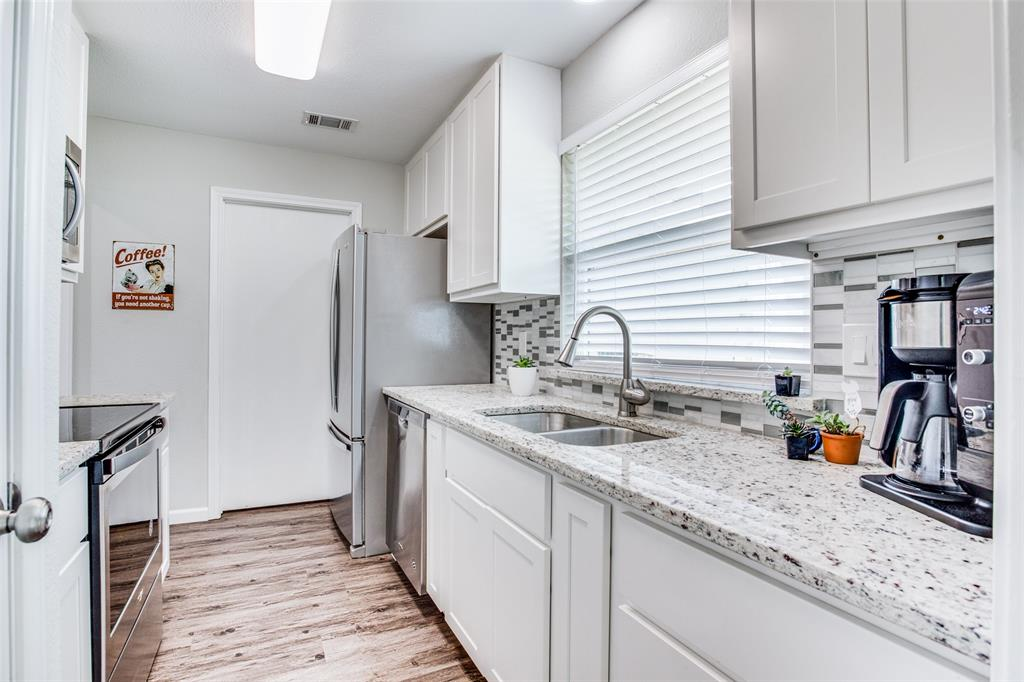 509 Stoneybrook  Drive, Wylie, Texas 75098 - acquisto real estate best new home sales realtor linda miller executor real estate