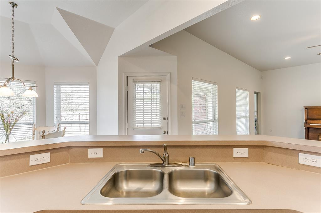203 Seminole  Trail, Alvarado, Texas 76009 - acquisto real estate best frisco real estate agent amy gasperini panther creek realtor