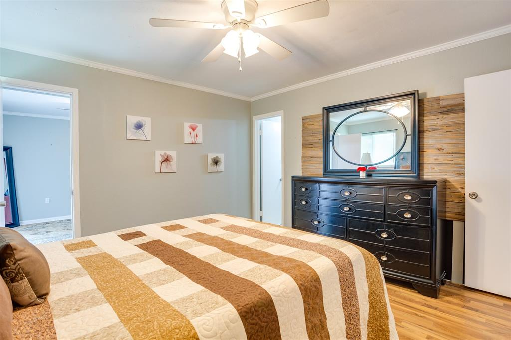 4625 Bonnell  Avenue, Fort Worth, Texas 76107 - acquisto real estate best negotiating realtor linda miller declutter realtor