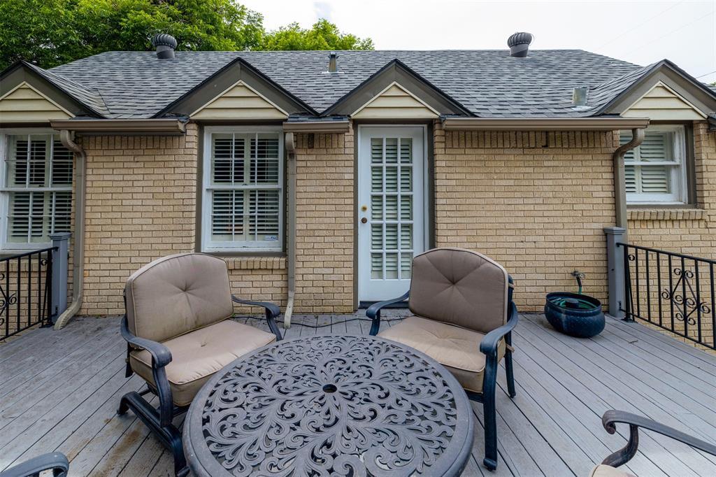1154 Edgefield  Avenue, Dallas, Texas 75208 - acquisto real estate best investor home specialist mike shepherd relocation expert