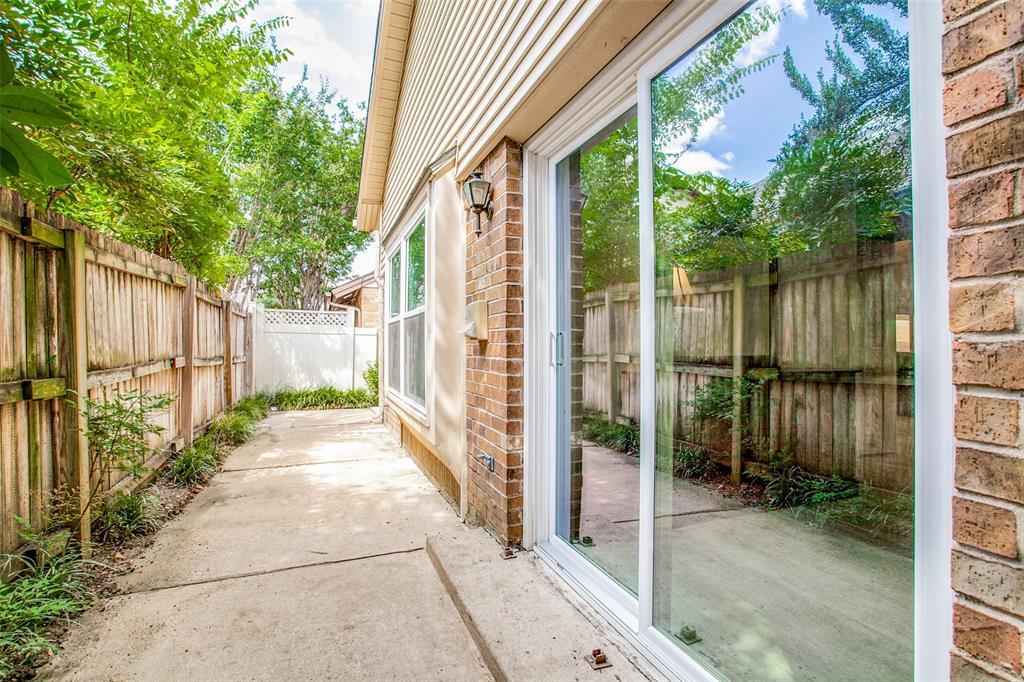 3107 Bryan  Street, Dallas, Texas 75204 - acquisto real estate best realtor foreclosure real estate mike shepeherd walnut grove realtor