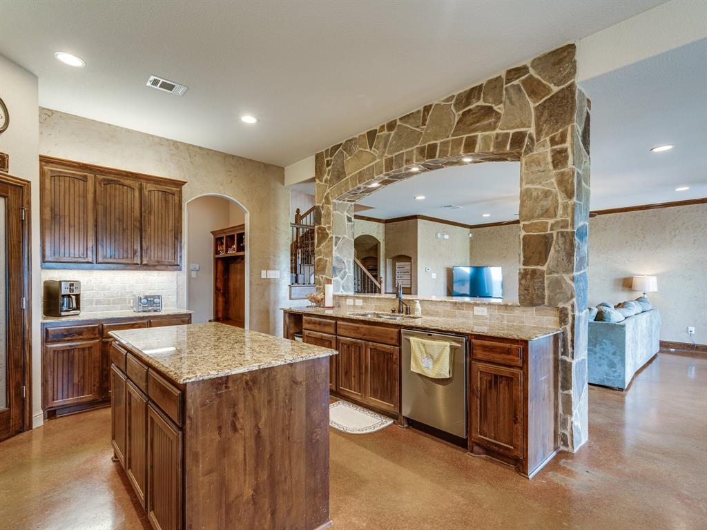 825 Broadhead  Road, Waxahachie, Texas 75165 - acquisto real estate best celina realtor logan lawrence best dressed realtor