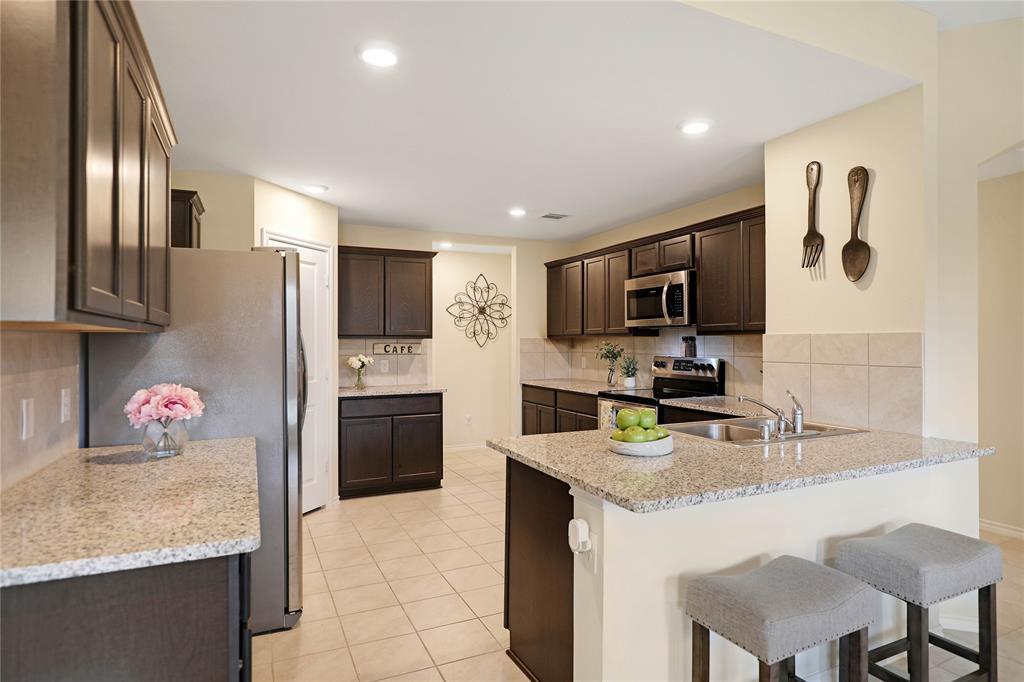 121 Woodland  Street, Anna, Texas 75409 - acquisto real estate best celina realtor logan lawrence best dressed realtor