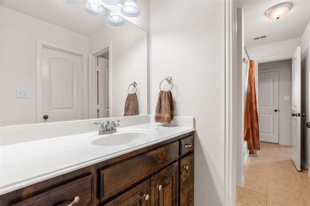11150 Sugar Mill  Lane, Frisco, Texas 75033 - acquisto real estate best negotiating realtor linda miller declutter realtor