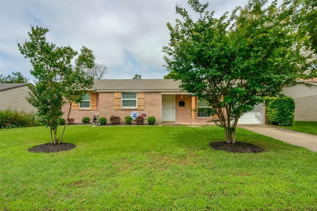 301 Wake  Drive, Richardson, Texas 75081 - Acquisto Real Estate best plano realtor mike Shepherd home owners association expert