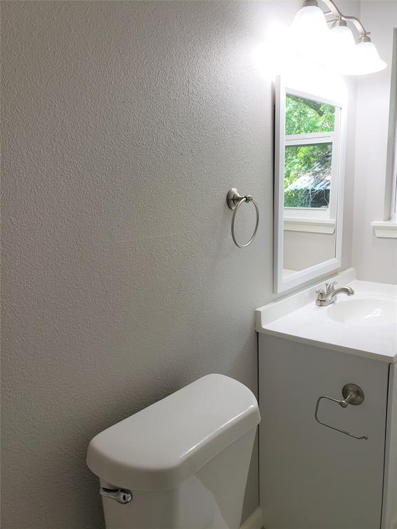 3216 Loganwood  Drive, Dallas, Texas 75227 - acquisto real estate best new home sales realtor linda miller executor real estate