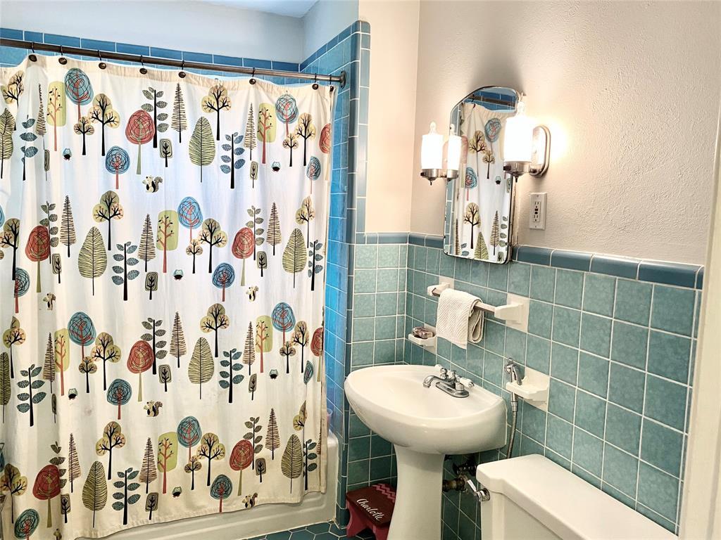136 Umphress  Street, Van Alstyne, Texas 75495 - acquisto real estate best realtor dallas texas linda miller agent for cultural buyers