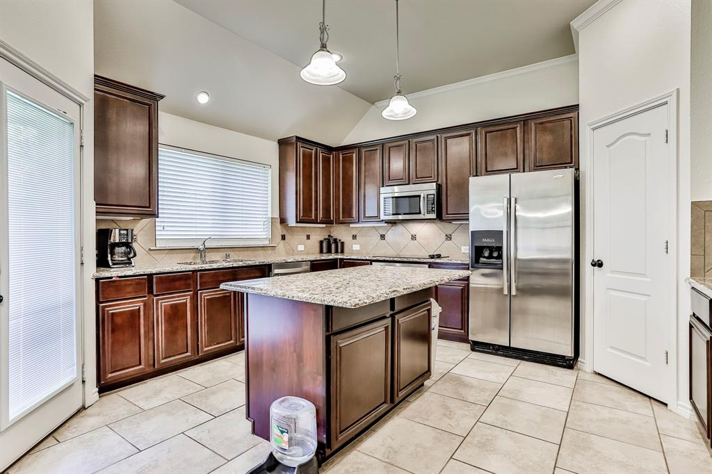 1412 Mesa Flats  Drive, Fort Worth, Texas 76052 - acquisto real estate best listing agent in the nation shana acquisto estate realtor