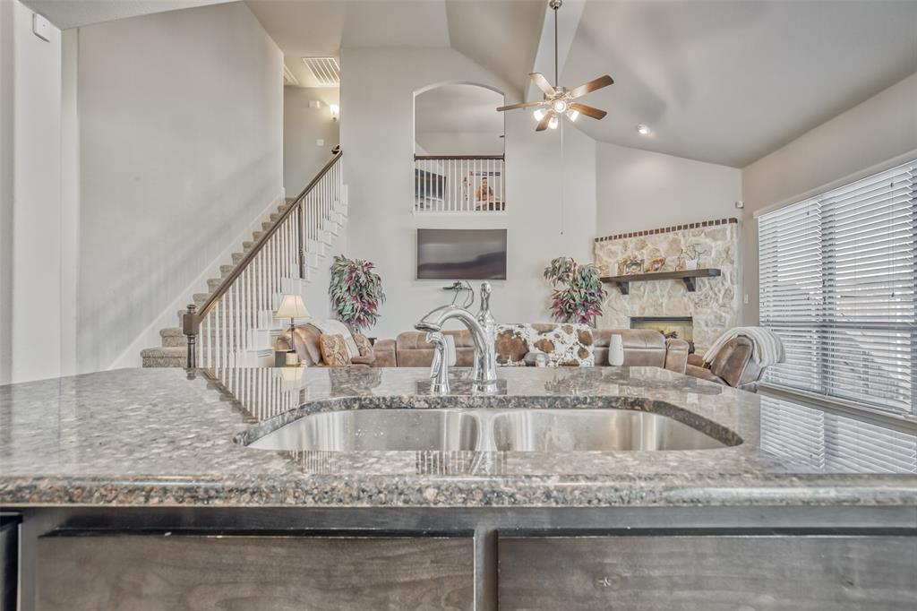 201 Brentwood  Drive, DeSoto, Texas 75115 - acquisto real estate best luxury buyers agent in texas shana acquisto inheritance realtor