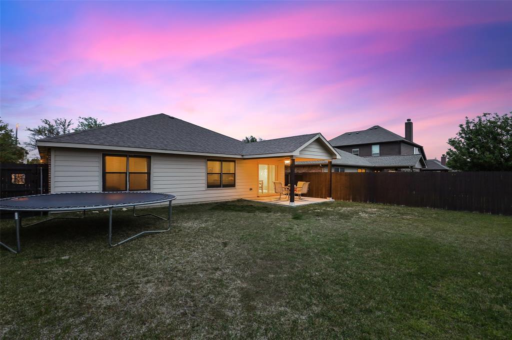 1432 Castlegar  Lane, Fort Worth, Texas 76247 - acquisto real estate best park cities realtor kim miller best staging agent