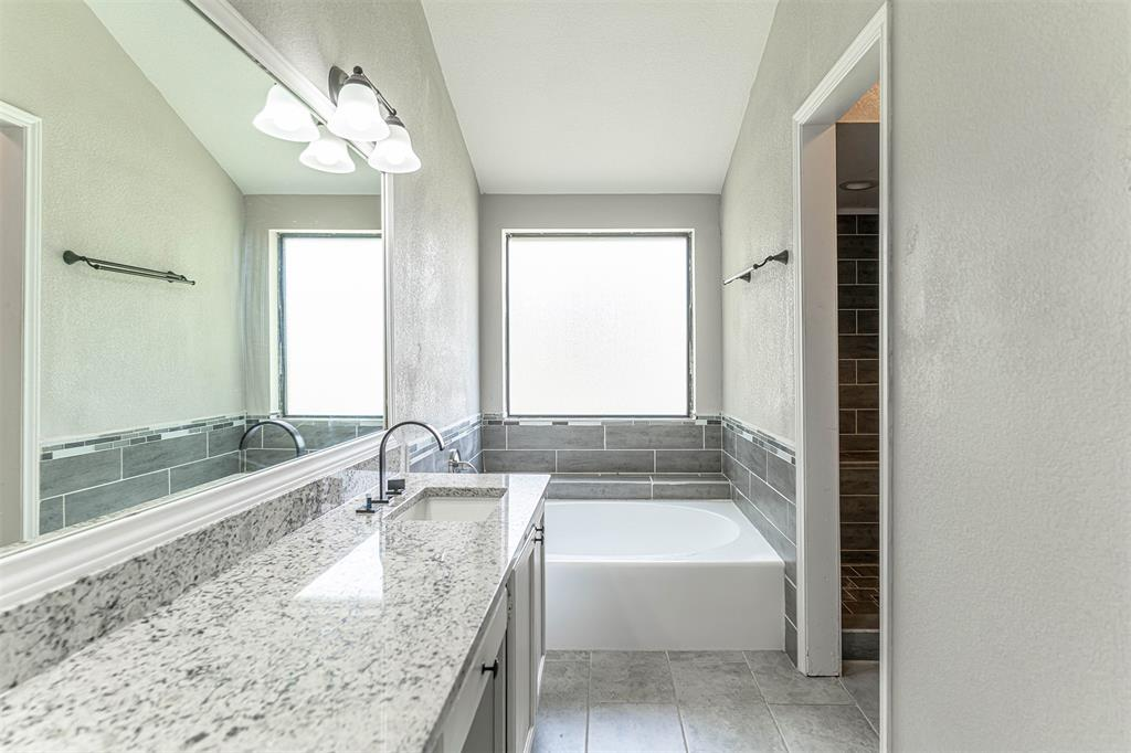 4205 Whitman  Lane, Grand Prairie, Texas 75052 - acquisto real estate best listing photos hannah ewing mckinney real estate expert