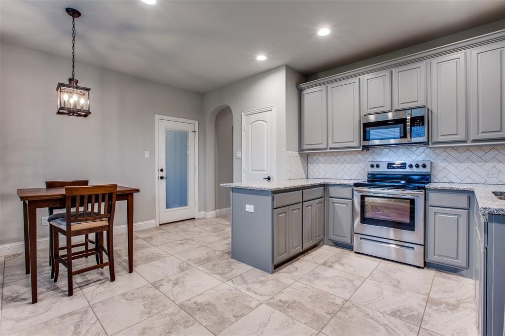 3831 Karen  Road, Midlothian, Texas 76065 - acquisto real estate best realtor dallas texas linda miller agent for cultural buyers
