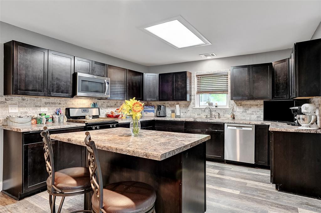205 Broadway  Street, Whitesboro, Texas 76273 - acquisto real estate best luxury buyers agent in texas shana acquisto inheritance realtor