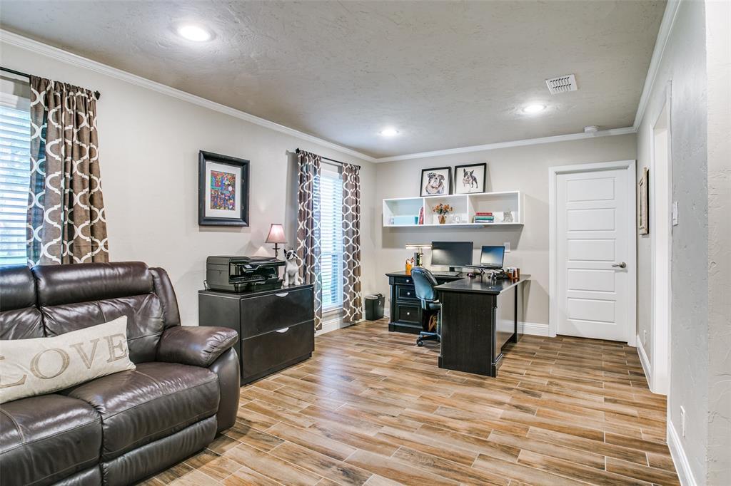 809 Wheelwood  Drive, Hurst, Texas 76053 - acquisto real estate best celina realtor logan lawrence best dressed realtor