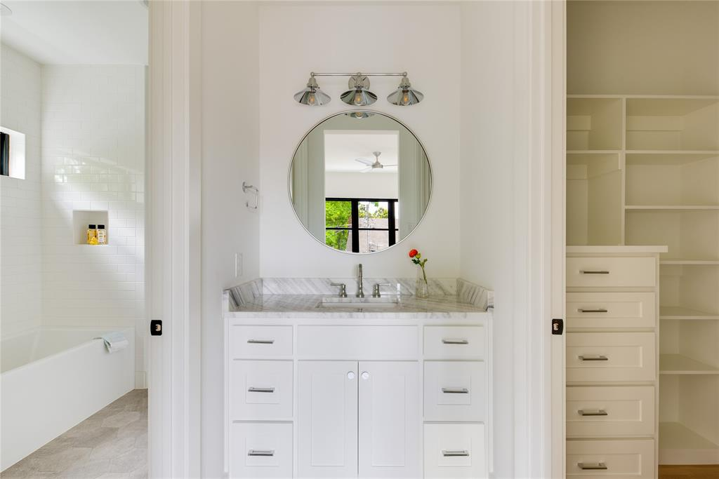 6442 Sondra  Drive, Dallas, Texas 75214 - acquisto real estate best negotiating realtor linda miller declutter realtor