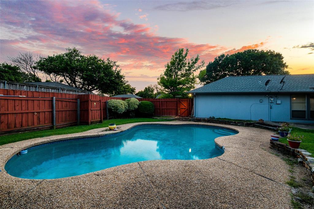 2020 Tampico  Drive, Plano, Texas 75075 - acquisto real estate best negotiating realtor linda miller declutter realtor