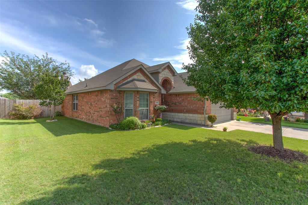 509 Kriston  Drive, Azle, Texas 76020 - acquisto real estate best allen realtor kim miller hunters creek expert