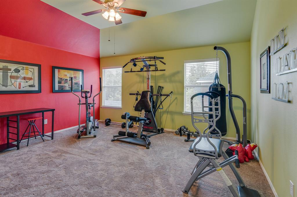 947 Yucca  Court, Burleson, Texas 76028 - acquisto real estate best plano real estate agent mike shepherd