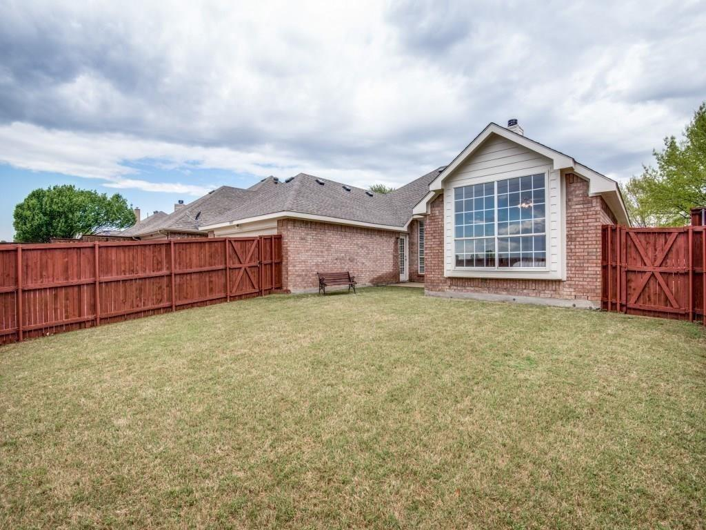 10005 Belfort  Drive, Frisco, Texas 75035 - acquisto real estate best frisco real estate agent amy gasperini panther creek realtor