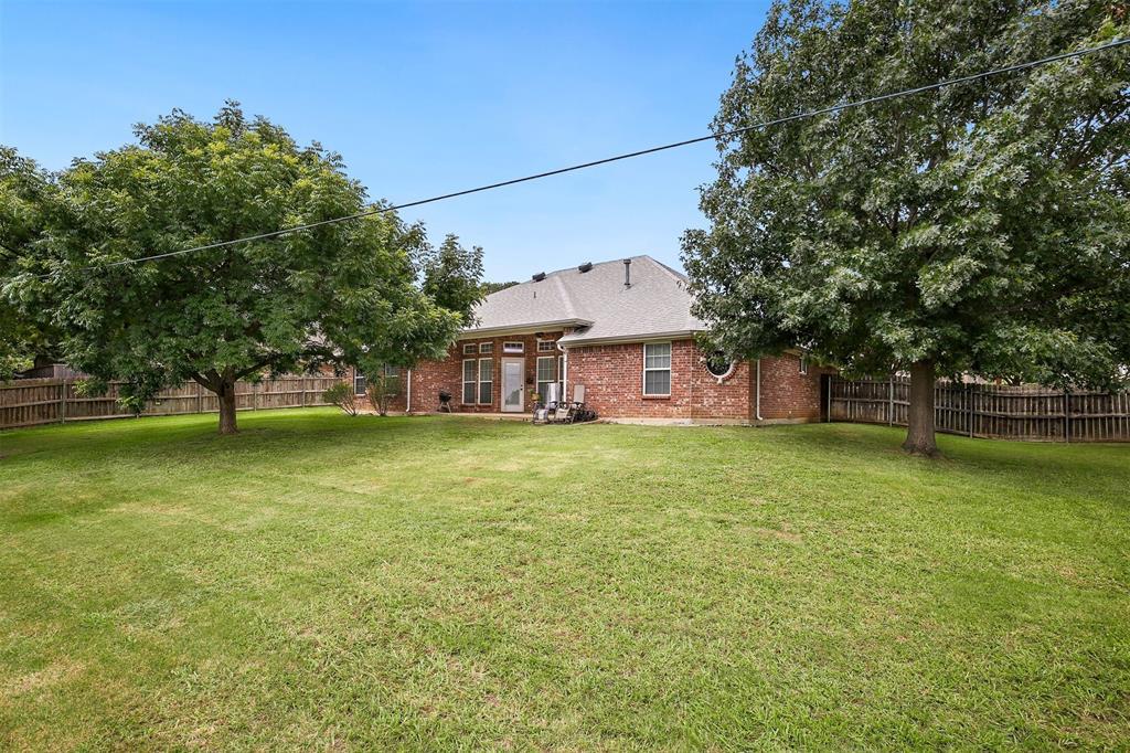 1018 Cook  Drive, Grand Prairie, Texas 75050 - acquisto real estate best listing photos hannah ewing mckinney real estate expert