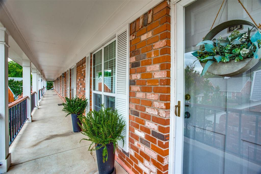 968 Roaring Springs  Road, Fort Worth, Texas 76114 - acquisto real estate best the colony realtor linda miller the bridges real estate